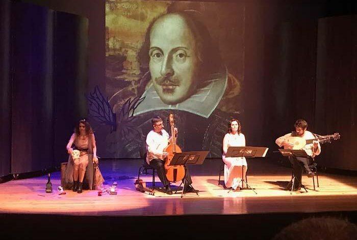 Photo of Tiyatro dünyası yeniden 'perde' diyor! Bu yılın teması 'Şimdi ve Buradayız Aşkım'